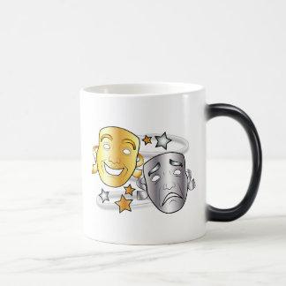 Máscaras estilizadas del drama de la comedia y de taza mágica