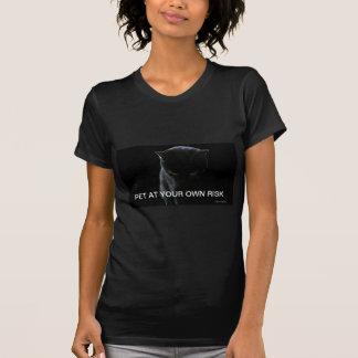 Mascota de pensamiento del gato negro en su propio camisetas