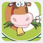 Mascota del logotipo del dibujo animado de la vaca calcomanía cuadradas personalizadas