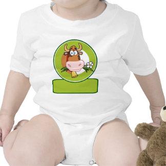 Mascota del logotipo del dibujo animado de la vaca camisetas
