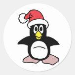Mascota del pingüino de Santa Etiquetas Redondas