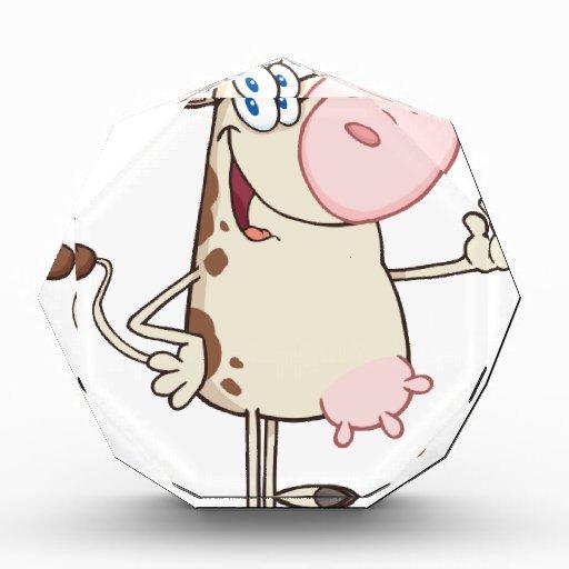 Mascota feliz del dibujo animado de la vaca