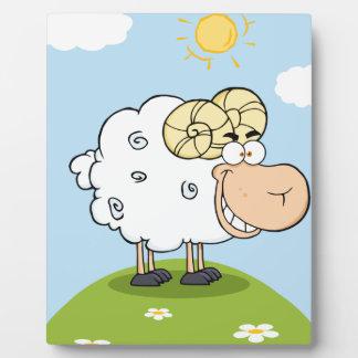Mascota feliz del dibujo animado del espolón placas
