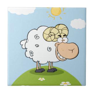 Mascota feliz del dibujo animado del espolón teja