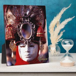 Mask Plaque
