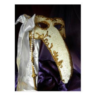 Masque sobre púrpura postal