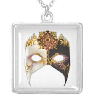 Masque veneciano: Cuadrado de rubíes de la joya Colgante Cuadrado