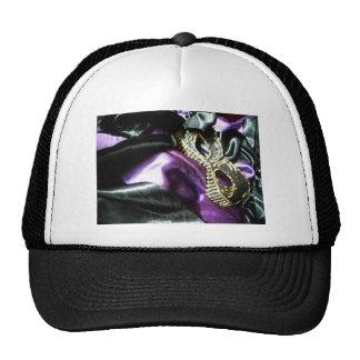 Masque y cinta negra gorras