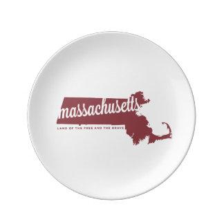 massachusetts   land of the free   apple red dinner plate