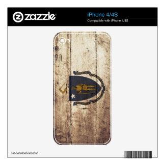 Massachusetts State Flag on Old Wood Grain Skins For iPhone 4S