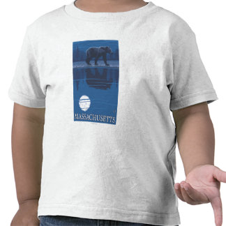 MassachusettsBear en el claro de luna Camisetas