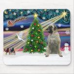 Mastín de Bull mágico del navidad #11 Tapetes De Ratones