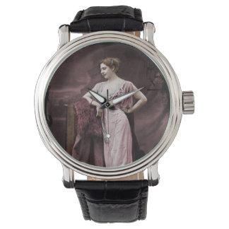 Mata Hari en vestido del teatro Relojes De Pulsera