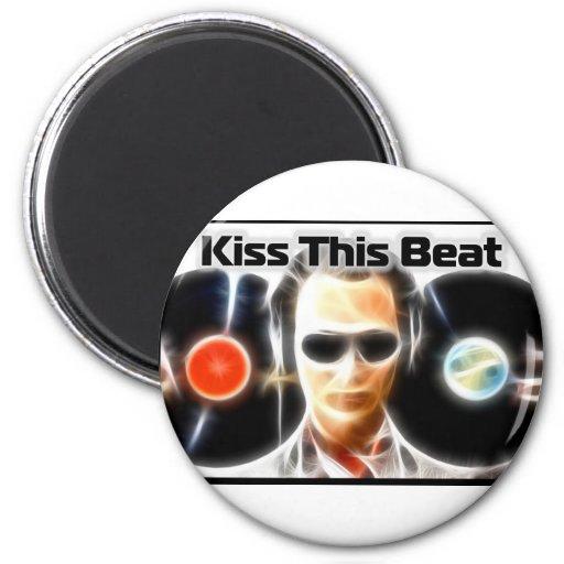 """Materia """"beso de DJ este golpe """" Imán Redondo 5 Cm"""