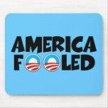Materia engañar-anti de América Obama Tapetes De Ratón