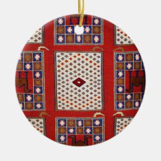 Materia textil que teje tribal tradicional adorno navideño redondo de cerámica