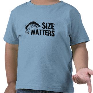 ¡Materias del tamaño! Diseño divertido de la pesca Camiseta