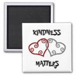 Materias entrelazadas de la amabilidad de los cora iman