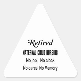 Maternal-niño jubilado no cuidando ningún trabajo pegatina triangular