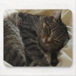 Matilda en cama tapete de ratón