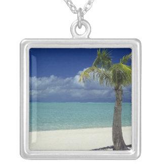 Matira Beach on the island of Bora Bora, 2 Jewelry