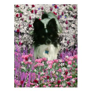Matisse en las flores - blancas y el perro negro postales