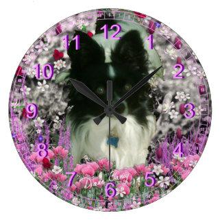 Matisse en las flores - blancas y Papillon negro Reloj De Pared