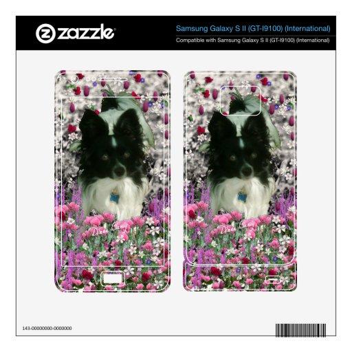 Matisse in Flowers - White & Black Papillon Dog Samsung Galaxy S II Skins