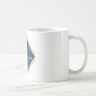 Matón - escuela católica libre taza de café