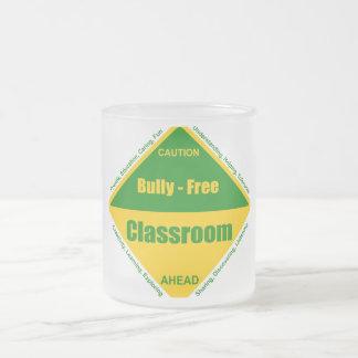 Matón - productos libres de la sala de clase taza