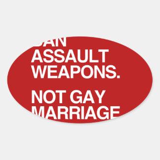 MATRIMONIO HOMOSEXUAL DE LAS ARMAS DE ASALTO DE LA CALCOMANÍAS DE OVALES PERSONALIZADAS
