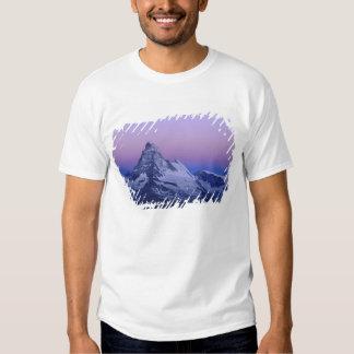 Matterhorn at dawn, Zermatt, Swiss Alps, T Shirt