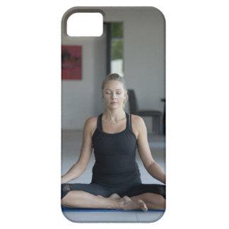 Mature woman practicing yoga iPhone SE/5/5s case