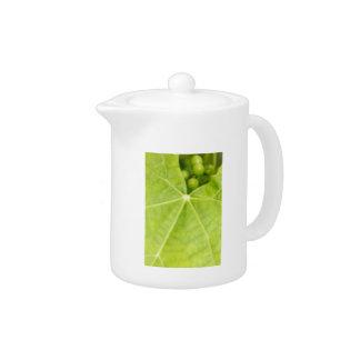 Maturing grapes teapot