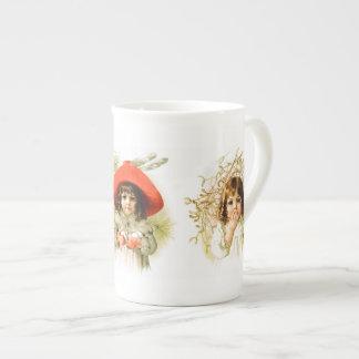 Maud Humphrey: Winter Girls Tea Cup
