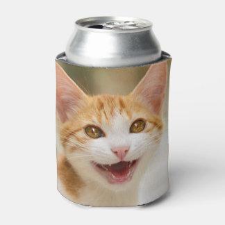Maullido divertido sonriente lindo del gato del enfriador de latas