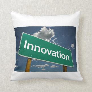 Mauro 915 cuscino da innovazione throw pillow