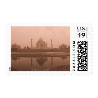 Mausoleo en la orilla el Taj Mahal Agra