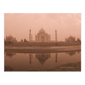 Mausoleo en la orilla, el Taj Mahal, Agra Postal