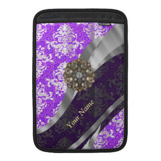 Mauve and white vintage damask pattern sleeve for MacBook air