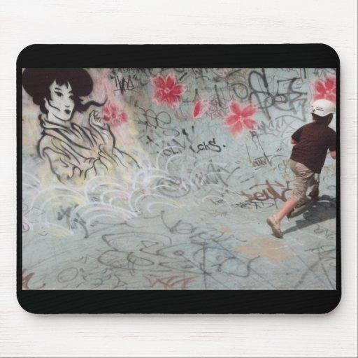 max skating mouse pad