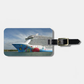 Maxed Out Bow II Luggage Tag