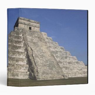 Mayan ruins at Chichen Itza, Kukulcans Pyramid 3 Ring Binder