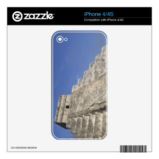 Mayan ruins at Chichen Itza, Kukulcans Pyramid Decals For The iPhone 4S