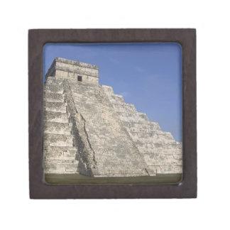 Mayan ruins at Chichen Itza, Kukulcans Pyramid Jewelry Box
