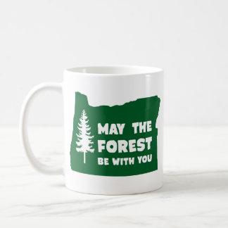 Mayo el bosque sea con usted Oregon Taza Básica Blanca