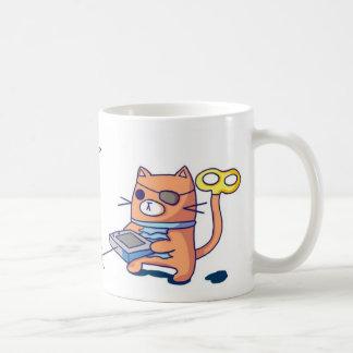 Mayordomo del robot del piñón taza de café