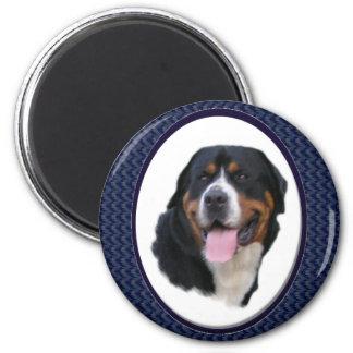 Mayores regalos suizos del perro de la montaña imán redondo 5 cm