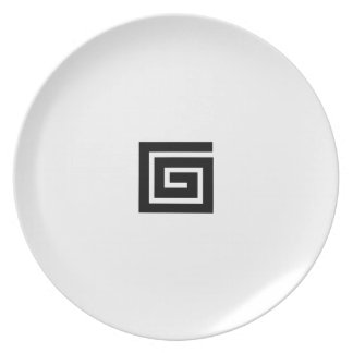 Maze in Black and White Dinner Plate