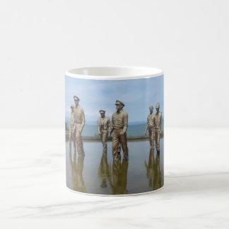 McArthur monument Coffee Mug